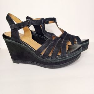 Clarks Collection Zia Reign Black Suede Wedge 8.5